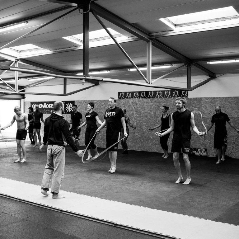 Boxtraining; Seilspringen; Gruppe beim Training